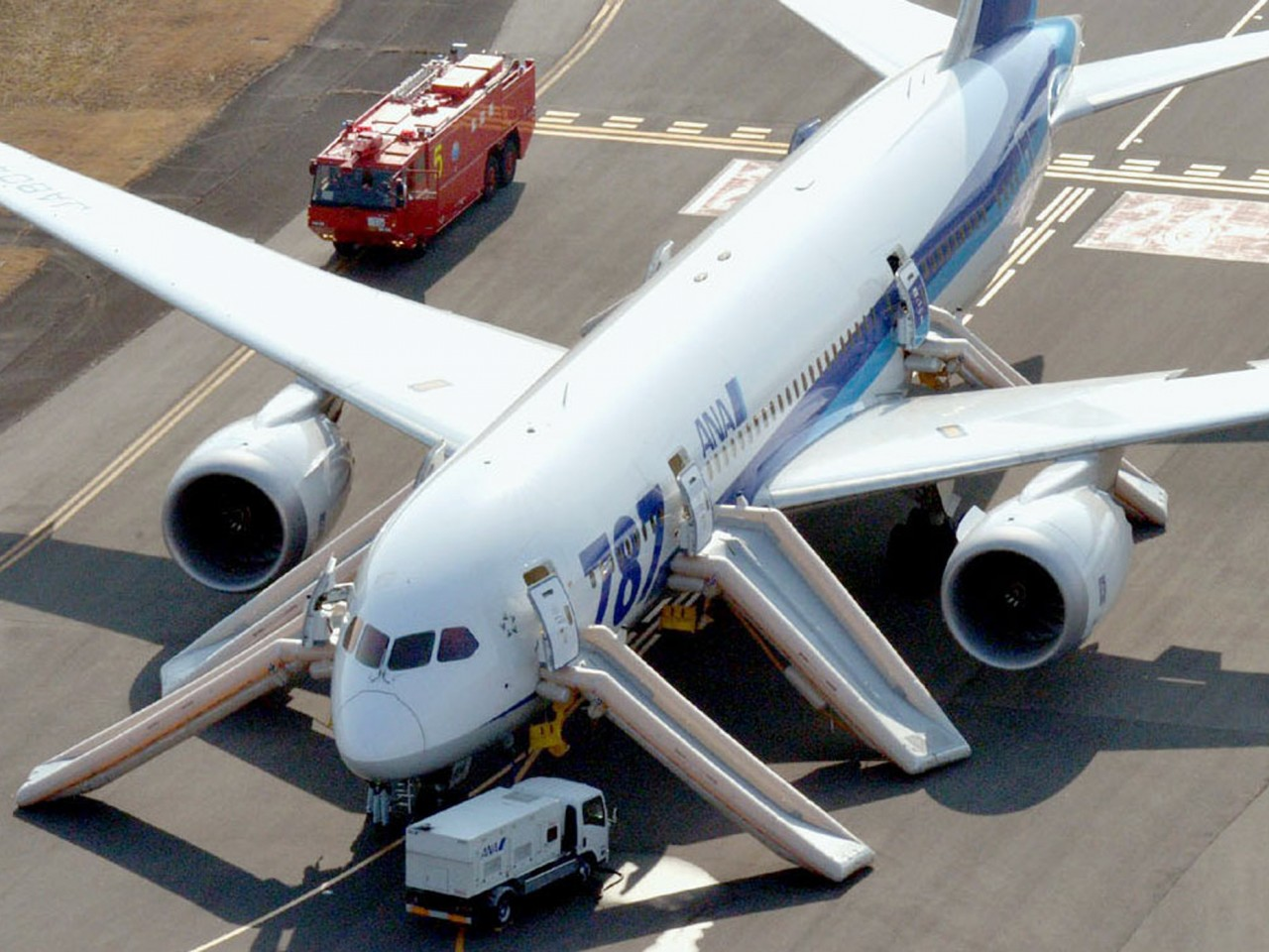 what is the dreamliner 787 an engineering nightmare